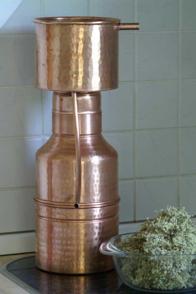 Leonardo-Destille, zusammengesteckt