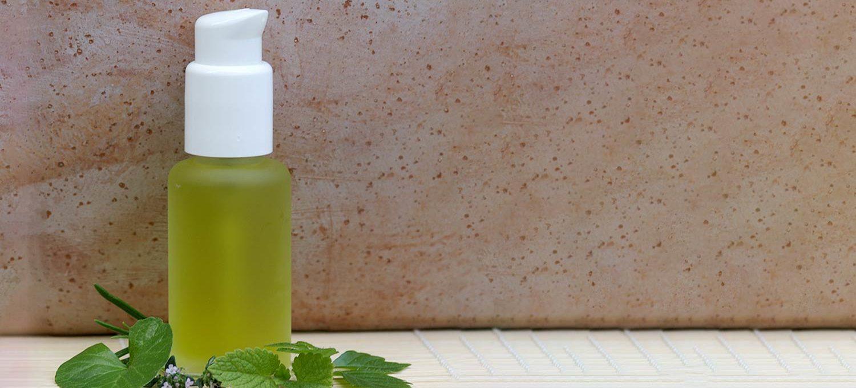 Aqua Herba aus frischen Pflanzenextrakten und Hydrolaten