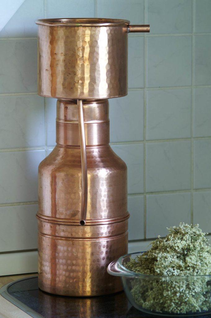 Destillation: Die Leonardo-Destille zusammengebaut